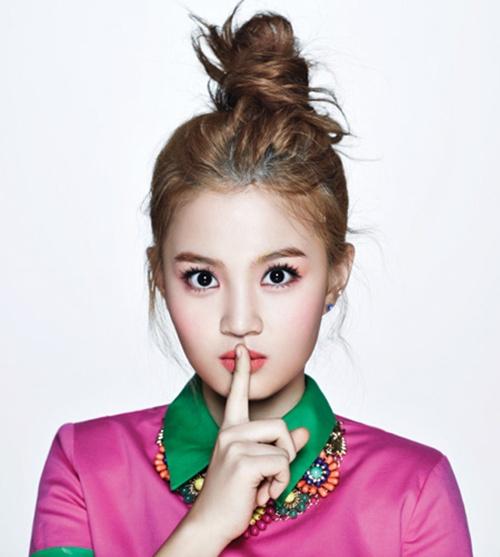 Lee Hi tro lai Kpop sau 3 nam vang bong hinh anh 1