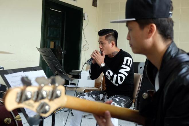 Tuan Hung huy 20 show, don suc cho 'Dam me' hinh anh 2