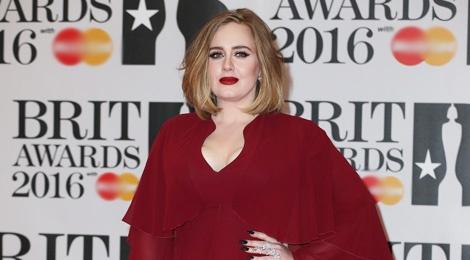 Adele long lay tren tham do BRIT Awards 2016 hinh anh