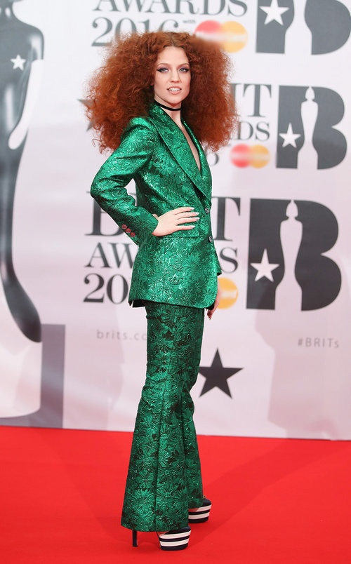 Adele long lay tren tham do BRIT Awards 2016 hinh anh 11