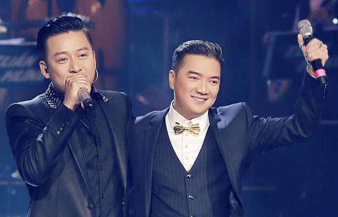 Mr. Dam tung la fan va hat lot cho Tuan Hung hinh anh
