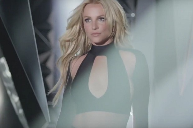 Britney Spears ra mat Make Me anh 1