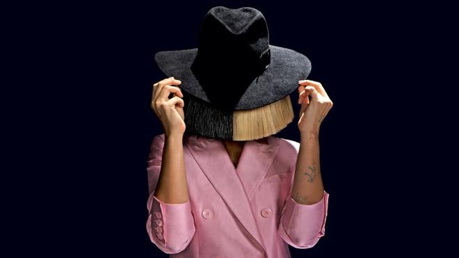 Sia: Chiec mat na, tai nang va danh tieng hinh anh 2