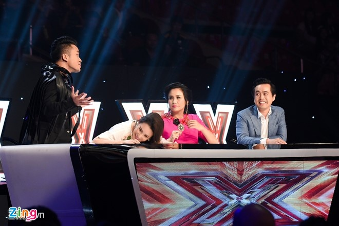 X-Factor: Giam khao 'dai chien' hinh anh 1
