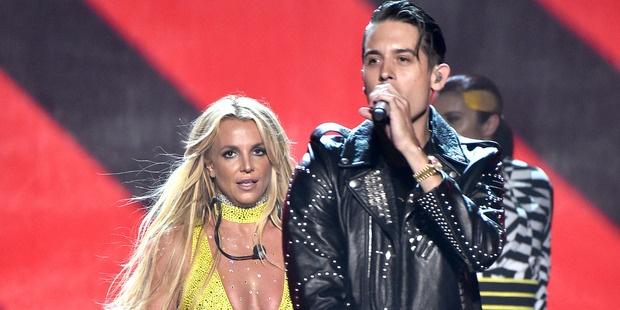 Fan buc xuc vi Britney Spears tiep tuc hat nhep hinh anh 2