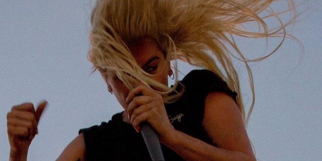 Perfect Illusion - Lady Gaga hinh anh