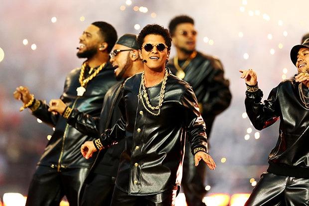 DJ Skrillex: 'Album moi cua Bruno Mars khac la va dang cap' hinh anh 1