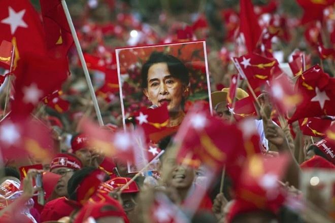 Dang cua ba Suu Kyi gianh chien thang lich su hinh anh