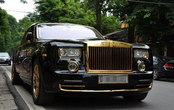 Nhom vat trom guong Rolls Royce sa luoi hinh anh