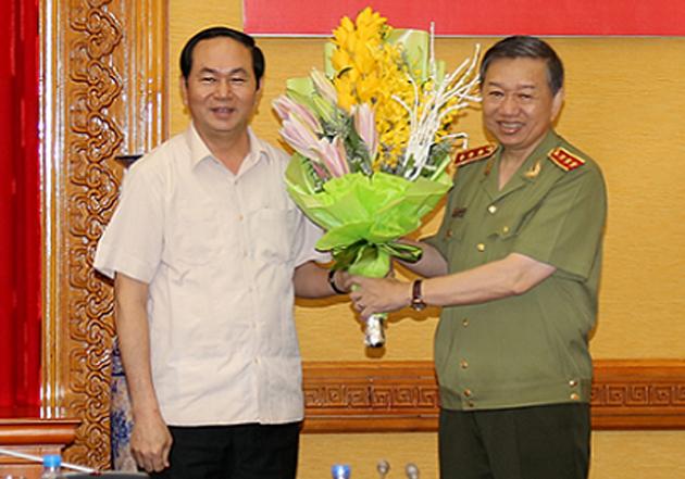 Thuong tuong To Lam lam Bi thu Dang uy Cong an Trung uong hinh anh