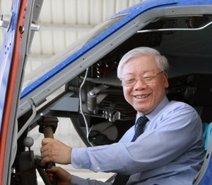 Tong Bi thu tham, lam viec tai Vung 4 Hai quan hinh anh