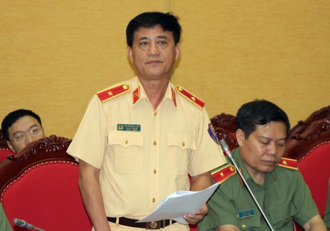 'CSGT phat loi lop mon bang mat thuong la sai quy dinh' hinh anh 1