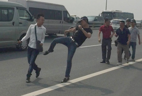 Bo Cong an se thanh tra vu 'gat tay trung ma' phong vien hinh anh