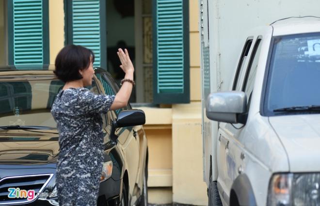 Chu toa truy viec Nguyen Xuan Son khai dung hon 300 ty di doi ngoai hinh anh 2