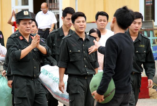 Cong an Ha Noi keu goi nguoi bat giu can bo o Dong Tam dau thu hinh anh
