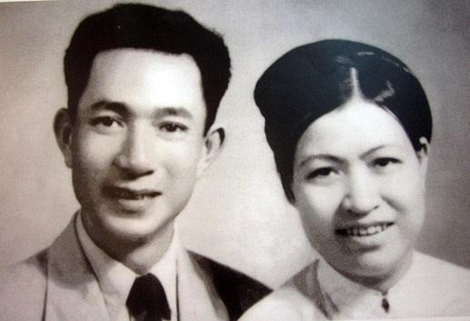 Gia dinh cu Minh Ho danh tien vieng ung ho dong bao bi thien tai hinh anh