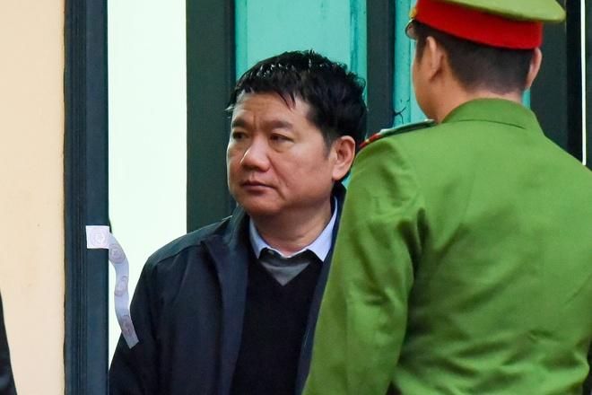 Ong Dinh La Thang: 'Den gio bi cao moi biet sai' hinh anh