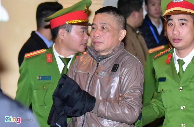 Nguoi bao chua cho bi cao Nguyen Xuan Son dang mang an tu noi gi? hinh anh 2