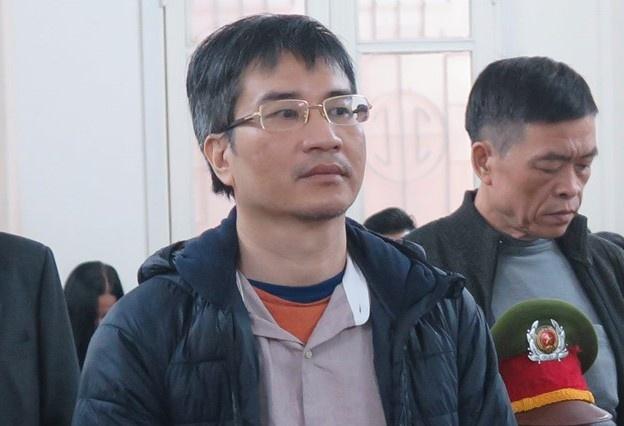 Giang Kim Dat dung ho chieu 'ma' khi tron ra nuoc ngoai hinh anh 1