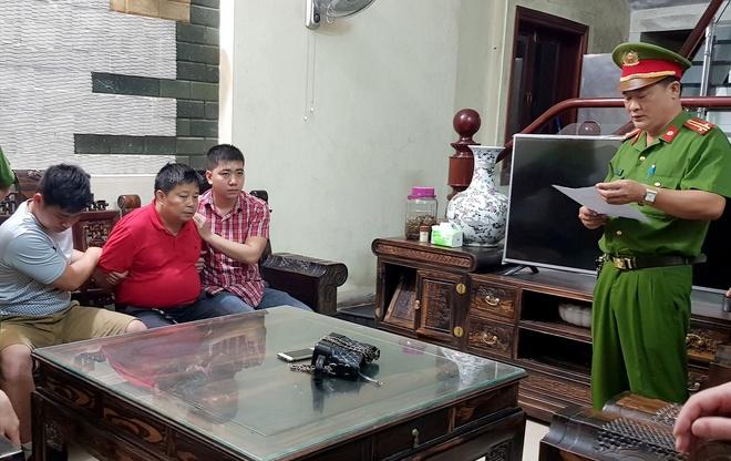 Canh sat kham nha dai gia Trieu Ky Voong hinh anh