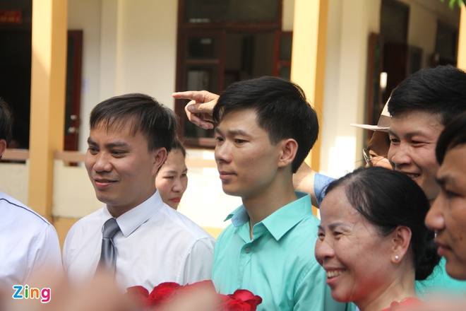 Khoi to Pho giam doc Benh vien da khoa tinh Hoa Binh hinh anh 2