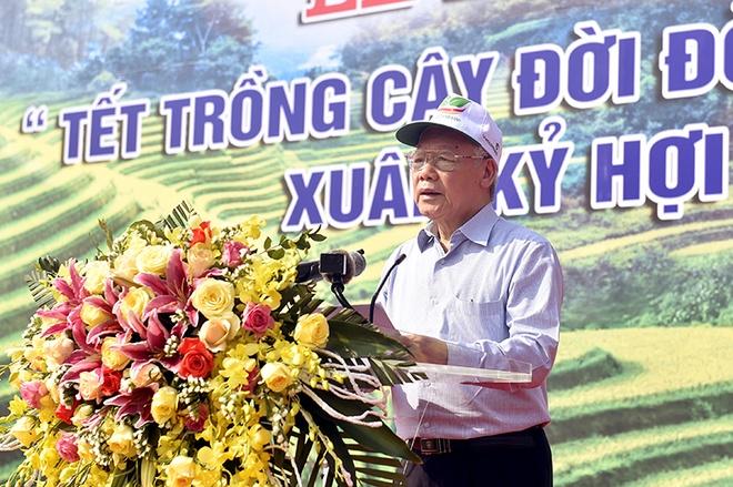 Tong bi thu, Chu tich nuoc Nguyen Phu Trong phat dong Tet trong cay hinh anh 2