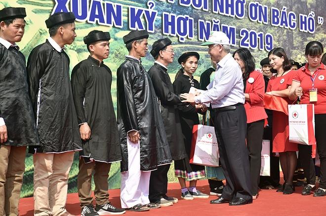 Tong bi thu, Chu tich nuoc Nguyen Phu Trong phat dong Tet trong cay hinh anh 3