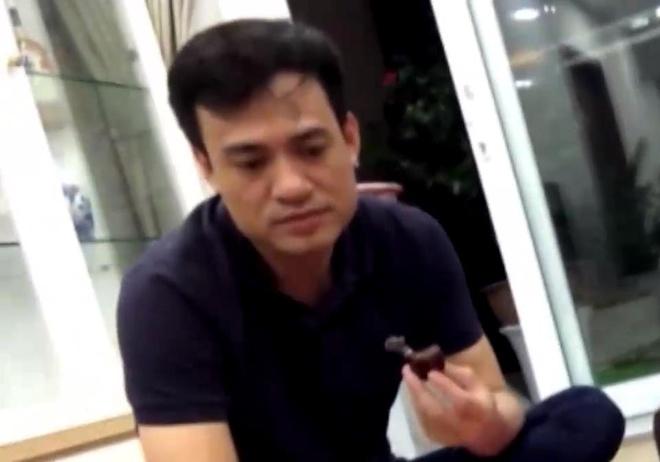 Nghi van Pho truong Cong an phuong Thanh Xuan Trung danh bac hinh anh