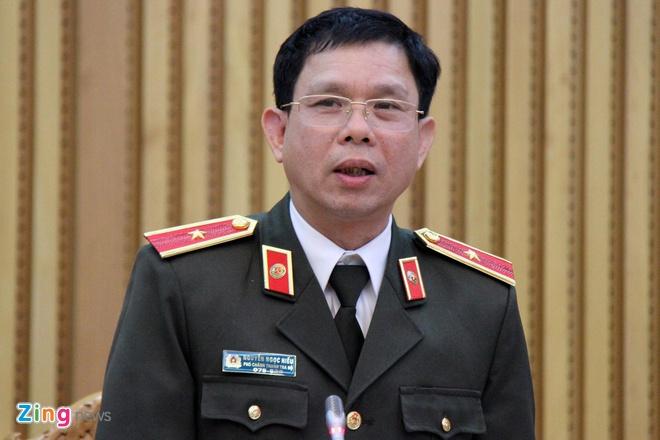 Hai trung ta CSGT Dong Nai goi dien can thiep 16 xe qua tai hinh anh 1 z1672095976449_a7c30215b1668cc6604b754492efe3ea_zing.jpg
