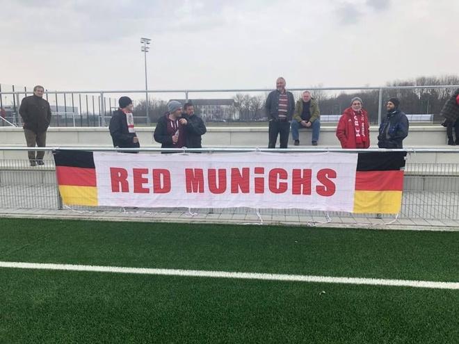 Tuyen nu Viet Nam cam hoa nu Bayern Munich hinh anh 2
