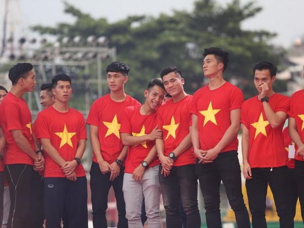 Tien thuong U23 Viet Nam tiep tuc tang, vuot moc 50 ty dong hinh anh