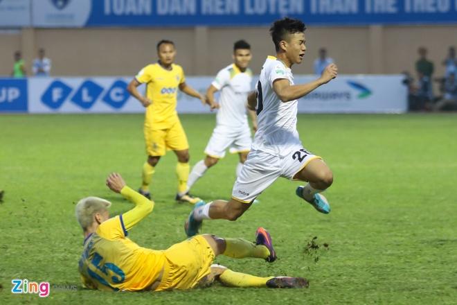 Ngoai binh Thanh Hoa nhac dong doi kem chat sao U23 Viet Nam hinh anh 5