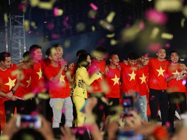 VFF khang dinh doanh nghiep khong 'xu' tien thuong U23 Viet Nam hinh anh