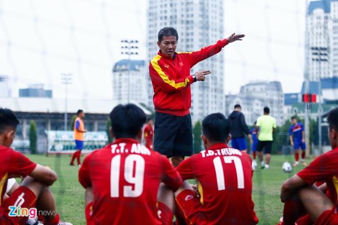 HLV Hoang Anh Tuan: U19 hien tai khong ai xuat chung nhu Quang Hai hinh anh 2