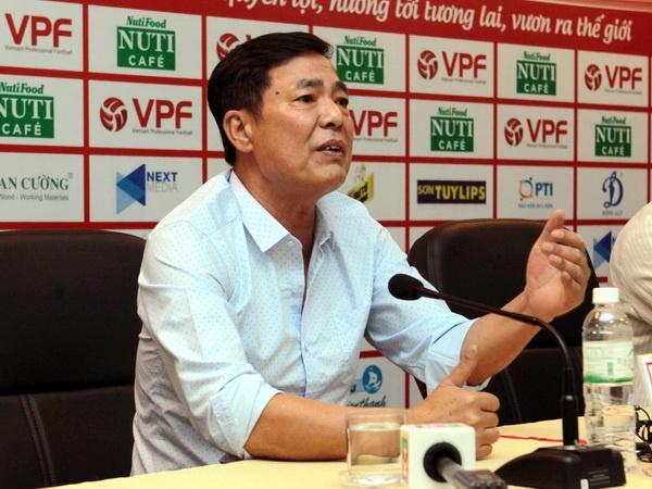 'Chan thuong cua Tuan Anh khong phai do mat san Lach Tray xau' hinh anh