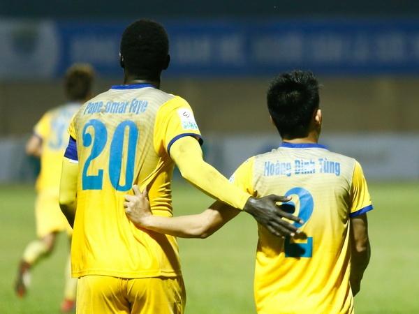 Vi sao U23 Viet Nam chien thang con cac CLB that bai o chau A? hinh anh