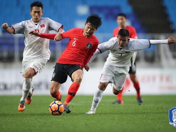 HLV Park Hang-seo nhin thay tinh than U23 Viet Nam trong hinh anh U19 hinh anh