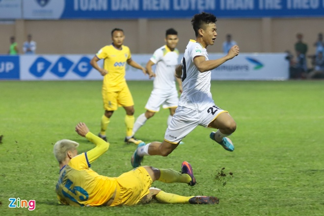 Xuan Truong, Van Duc va nhung ngoi sao U23 dang ruc sang o V.League hinh anh 3
