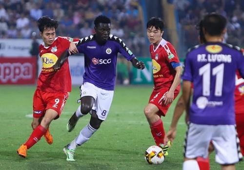 CLB Ha Noi vs HAGL: Kinh dien V.League hay kinh dien scandal? hinh anh