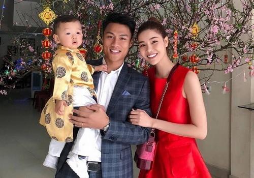 Mac Hong Quan khong duoc xem World Cup trong phong ngu hinh anh