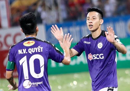 CLB Ha Noi vs CLB Quang Nam (2-1): Chien thang phut 90+5 hinh anh