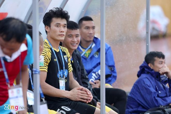 Gan nua doi hinh U23 Viet Nam tap trung muon hinh anh 2
