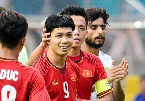 Van Quyet giai thich ly do nhuong 2 qua penalty cho Cong Phuong hinh anh