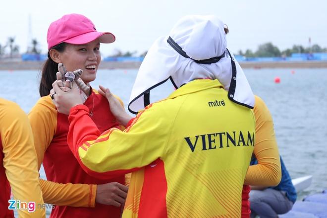 Tuyen rowing Viet Nam om cham chuyen gia Australia sau tam HCB hinh anh 4