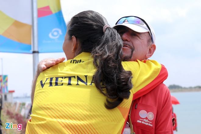 Tuyen rowing Viet Nam om cham chuyen gia Australia sau tam HCB hinh anh 5