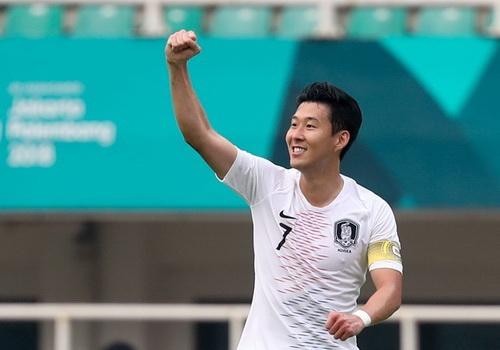 Lescott: Tiec vi Son Heung-min va Han Quoc da loai Olympic Viet Nam hinh anh
