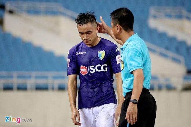 Cong Phuong, Phi Son va doi hinh sao goc Nghe khuynh dao V.League hinh anh 11