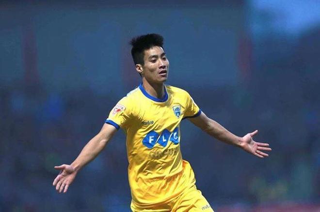 Cong Phuong, Phi Son va doi hinh sao goc Nghe khuynh dao V.League hinh anh 5