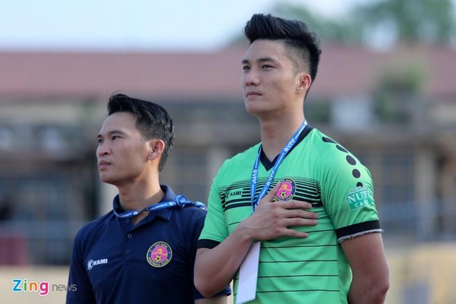 Cong Phuong, Phi Son va doi hinh sao goc Nghe khuynh dao V.League hinh anh 12