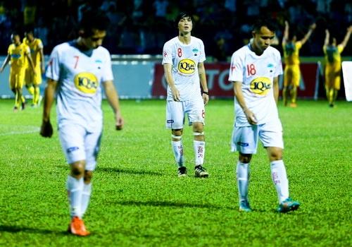 HAGL doa bo giai va nhung be boi rung chuyen V.League 2018 hinh anh